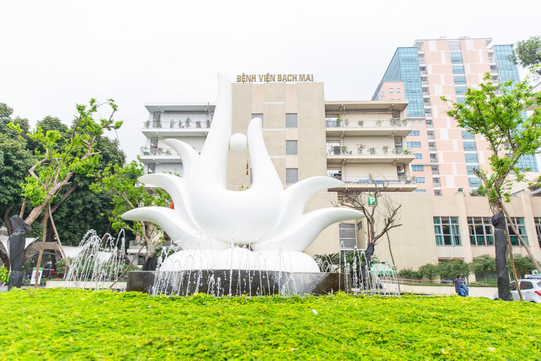 Lãnh đạo Bệnh viện Bạch Mai: Dịch vụ đang tốt dần lên nhưng tất cả búa rìu đều Giáo sư Nguyễn Quang Tuấn phải chịu - Ảnh 1.
