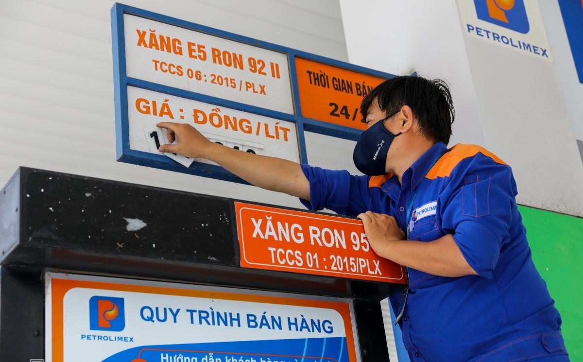 Giá xăng bật tăng kể từ 15h chiều nay