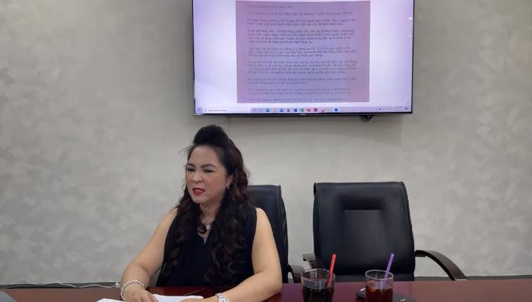 Vợ đại gia Dũng lò vôi bất ngờ khẳng định nghệ sĩ Hoài Linh là một cặp với ông Võ Hoàng Yên - Ảnh 1.