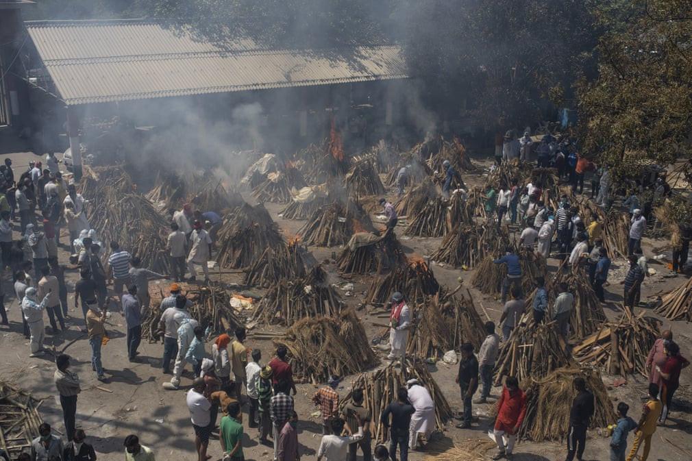24h qua ảnh: Bãi hỏa thiêu Ấn Độ quá tải vì Covid-19 - Ảnh 3.