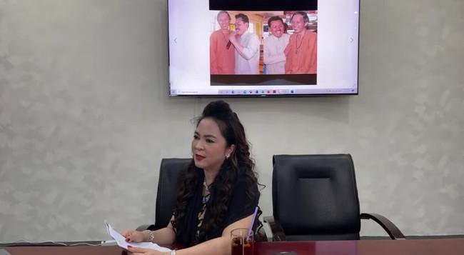 Sau khi hỏi vợ cho con, bà chủ Đại Nam livestream gửi lời 'khẩn cầu' đầu tiên cho một nghệ sĩ Việt, mong mỏi nghệ sĩ này lên tiếng sau loạt lùm xùm - Ảnh 2.