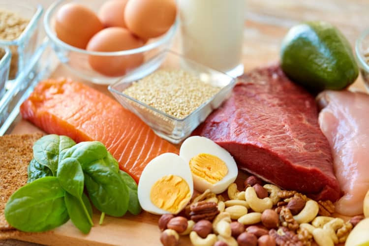 Cách bổ sung dinh dưỡng, tăng cường sức đề kháng trong mùa dịch COVID-19 - Ảnh 1.
