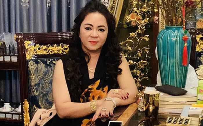 Trang Trần lại đáp trả bà Phương Hằng cực gắt: 'Xin lỗi chưa cần cấm, bọn tôi cũng sợ chị đến già rồi' Ảnh 2