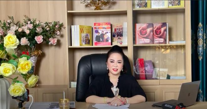 Nghi ngờ bà Phương Hằng 'nổ' vụ làm từ thiện 600 tỷ, Trang Trần tiếp tục mỉa mai: 'Nói cho sang cái mồm' Ảnh 2