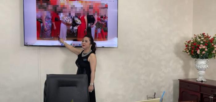 Bà Phương Hằng bất ngờ 'chỉ mặt điểm tên' hội bạn thân doanh nhân đang kết bè kết phái nói xấu bà Ảnh 2