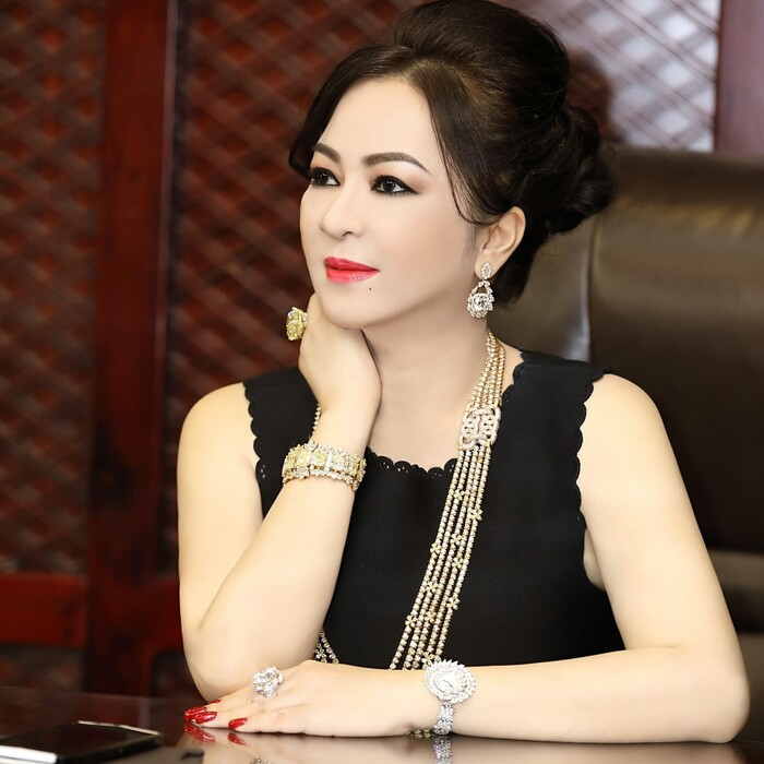 Vy Oanh sẽ khởi kiện bà Phương Hằng sau hàng loạt lùm xùm đấu tố? Ảnh 1