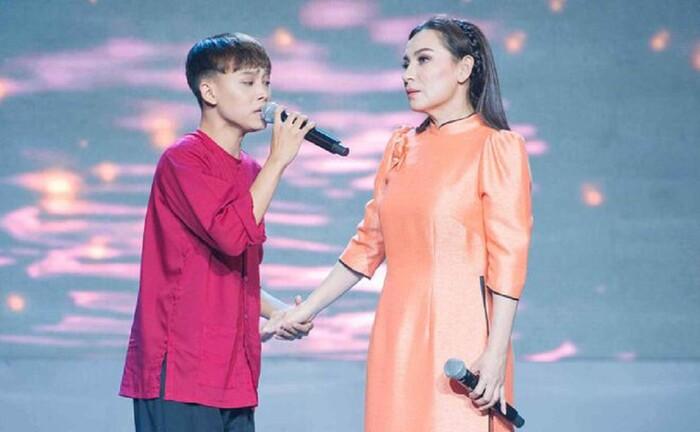 Hồ Văn Cường viết 'tâm thư' gửi mẹ nuôi Phi Nhung: 'Nghệ sĩ nhờ khán giả yêu thương mà thành' Ảnh 1