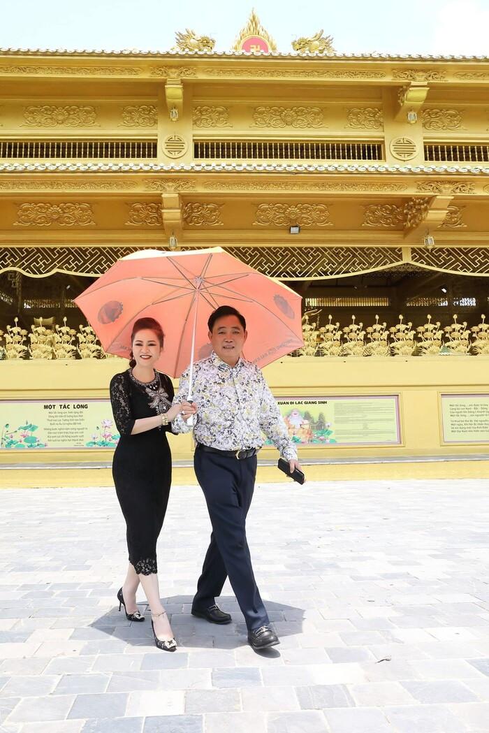 Hậu tuyên bố sẽ li hôn chồng, bà Phương Hằng 'lật kèo' tiết lộ: 'Có khi anh Dũng cưới tôi thêm lần nữa' Ảnh 3