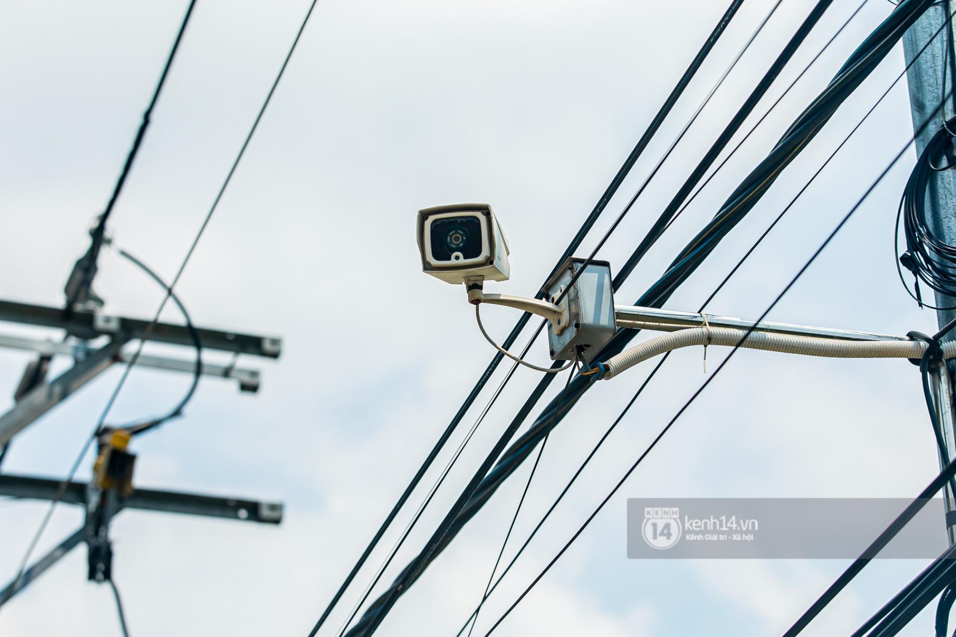 Về thăm Đền thờ Tổ nghiệp của NS Hoài Linh sau loạt lùm xùm từ thiện: Camera bố trí dày đặc, hàng xóm kể không bao giờ thấy mặt - Ảnh 9.