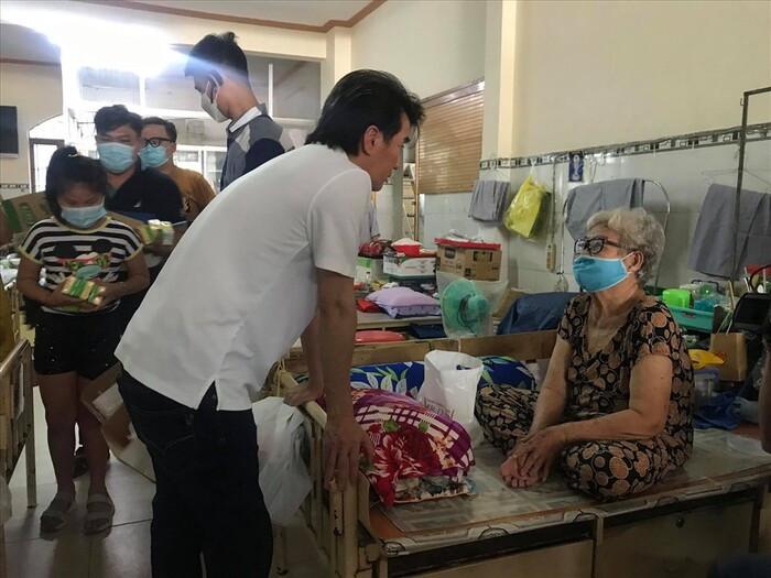 Đàm Vĩnh Hưng lần đầu lên tiếng về lùm xùm từ thiện của Hoài Linh: 'Mong mọi người bao dung hơn' Ảnh 5