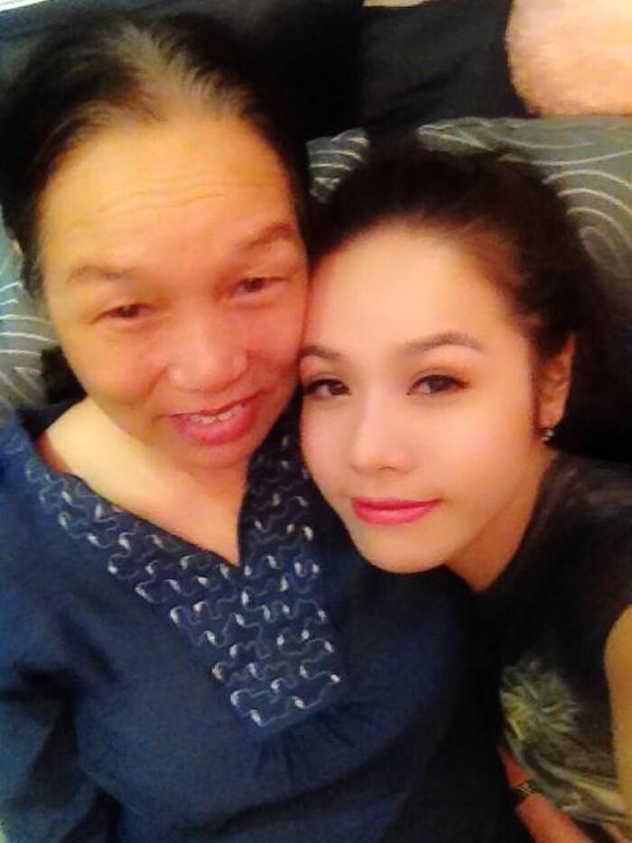 Độc quyền: Nhật Kim Anh lên tiếng sau loạt ảnh dẫn mẹ đến ông Võ Hoàng Yên chữa bệnh được chia sẻ rầm rộ Ảnh 3