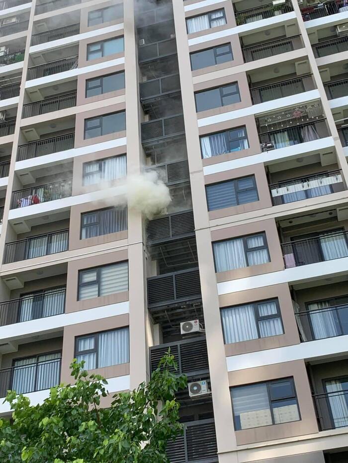 Hà Nội: Cháy ở Vinhomes Ocean Park giữa thời tiết nắng nóng gay gắt Ảnh 2