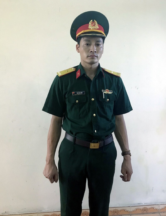 Gã đàn ông giả danh sĩ quan quân đội suốt 5 năm để 'tán gái cho oai' từ Bắc chí Nam Ảnh 1