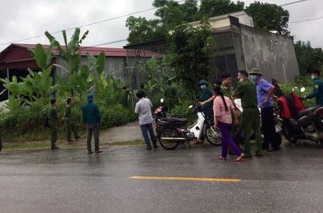 Vụ chồng giết vợ cũ rồi tự sát ở Hà Giang: Đòi gặp không được, chui qua mái nhà vào gây án - Ảnh 4.