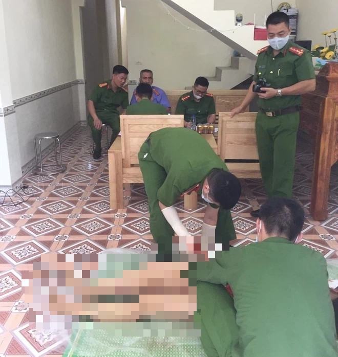Vụ chồng giết vợ cũ rồi tự sát ở Hà Giang: Đòi gặp không được, chui qua mái nhà vào gây án - Ảnh 2.