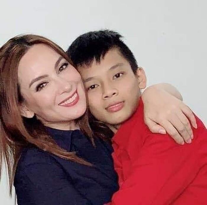 Con nuôi Phi Nhung lên tiếng bảo vệ mẹ, đồng thời nhắn nhủ đến cộng đồng mạng sau ồn ào Ảnh 3