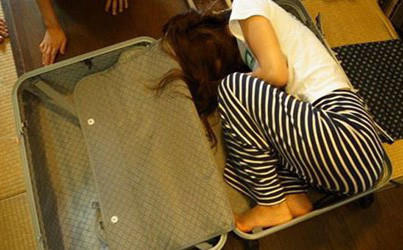 Vụ phát hiện 6 bé gái trong nhà kẻ buôn bán người ở Phú Thọ: Các nạn nhân bị dụ dỗ bằng cách nào?
