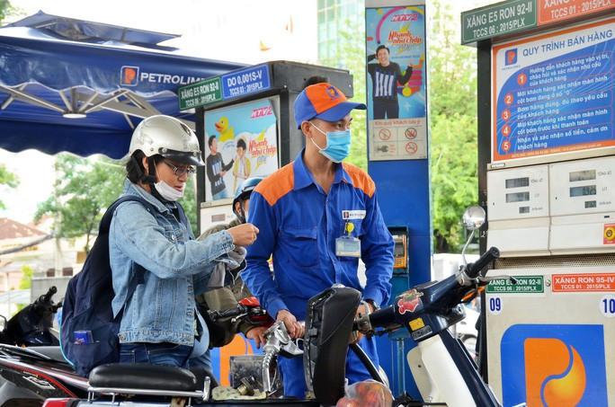 Giá xăng, dầu đồng loạt tăng từ 15h chiều nay - Ảnh 1.