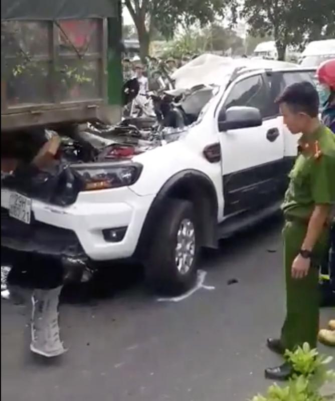 Video: Khoảnh khắc vụ tai nạn 9 ô tô đâm nhau liên hoàn trên quốc lộ, nhiều xe dính chặt vào nhau - Ảnh 4.