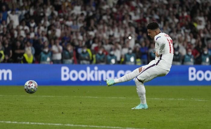 Sút penalty thảm họa, Anh dâng chức vô địch EURO 2020 cho Italia Ảnh 4