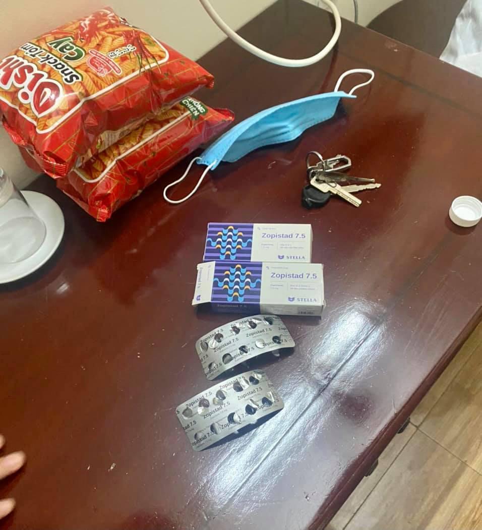 Bị phản đối chuyện yêu đương, nam thanh niên vào thuê khách sạn uống 2 vỉ thuốc ngủ để tự tử - Ảnh 1.