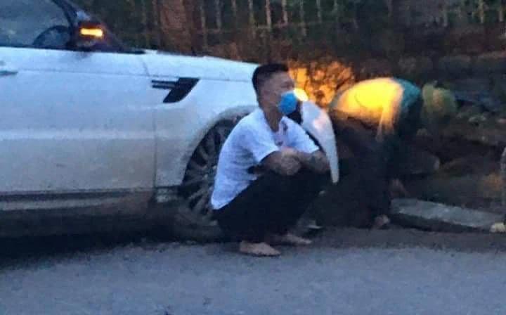 Giang hồ mạng Huấn Hoa Hồng lái xe sang Range Rover tự gây tai nạn ở Yên Bái - Ảnh 1.