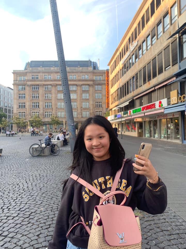 Nhan sắc tuổi 15 của ái nữ bà trùm khu du lịch Đại Nam: Lột xác nhờ giảm cân, khí chất cô chủ ngút trời! - Ảnh 1.