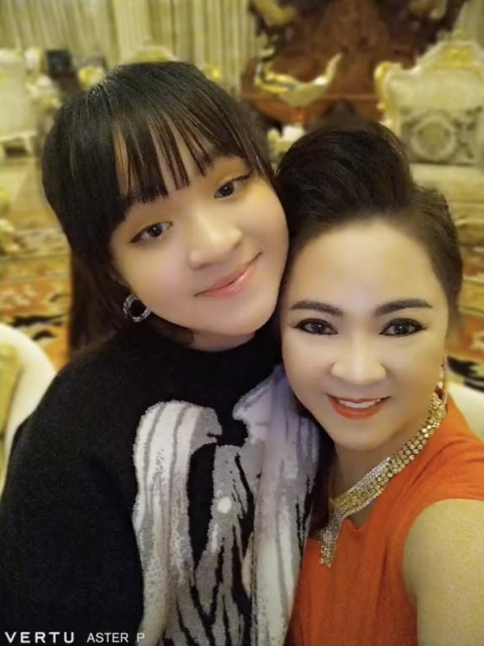 Nhan sắc tuổi 15 của ái nữ bà trùm khu du lịch Đại Nam: Lột xác nhờ giảm cân, khí chất cô chủ ngút trời! - Ảnh 5.