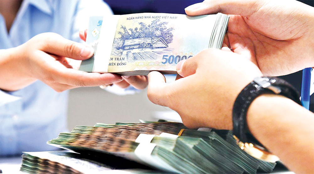 Một số lưu ý cho người tiêu dùng khi có nhu cầu vay tiền - Ảnh 1.