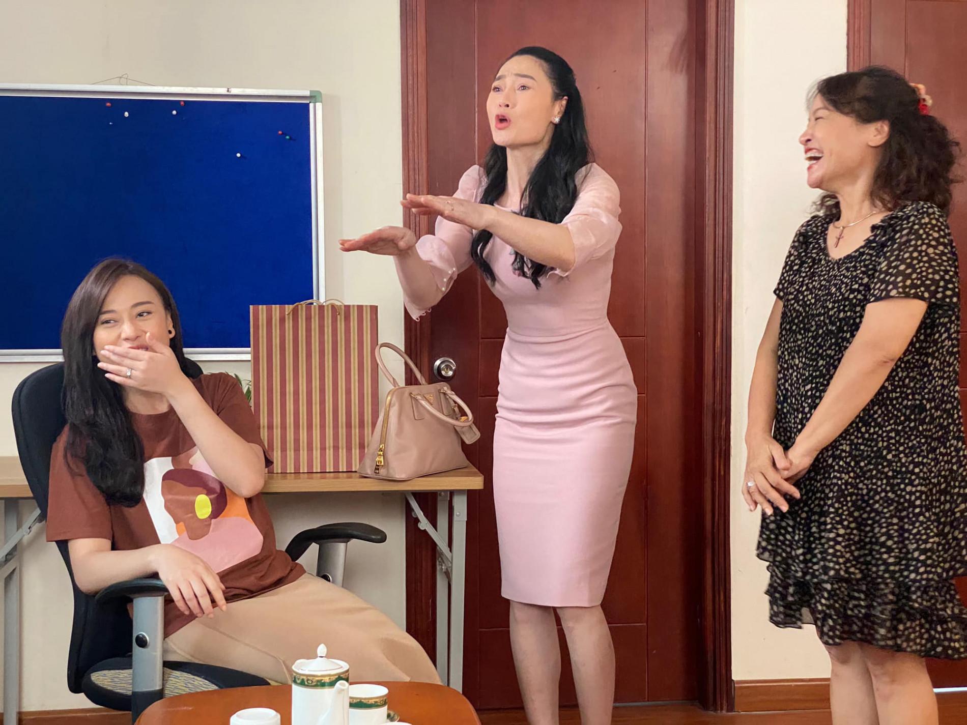 Hương vị tình thân: Lộ cảnh bà Xuân đến nhà cũ của Nam gặp ông Sinh - Ảnh 9.