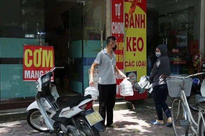 Danh sách 22 quận huyện, thị xã ở Hà Nội được bán hàng ăn, uống mang về từ 12 giờ ngày 16/9 Ảnh 1