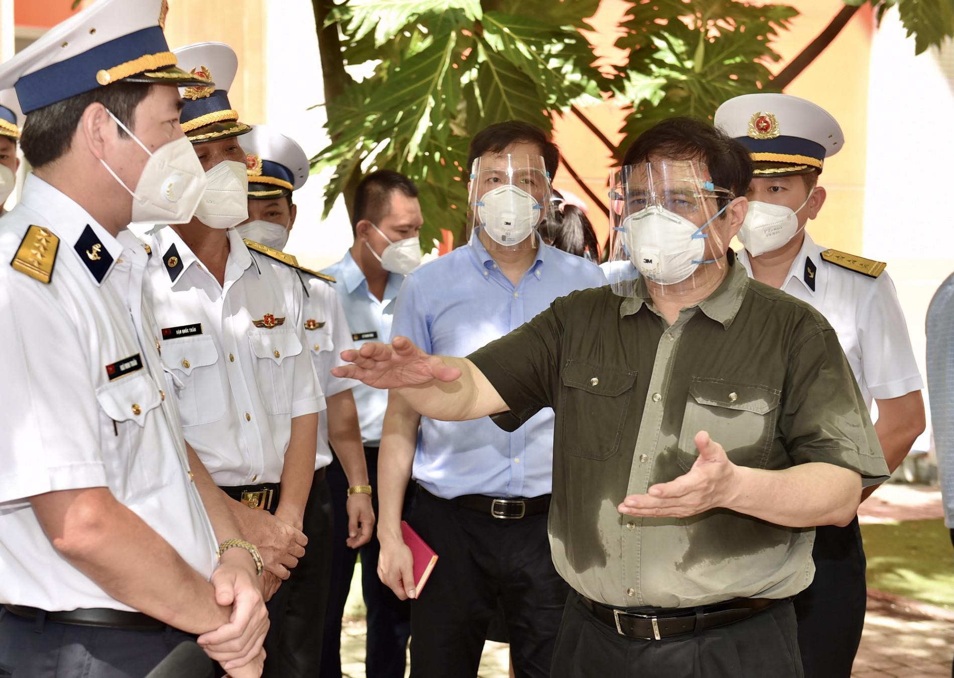 Khi Thủ tướng truy bài và người dân chấm điểm quan chức - Ảnh 3.
