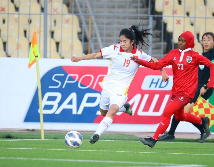 Dội cơn mưa bàn thắng, tuyển nữ Việt Nam vùi dập Maldives 16-0 Ảnh 1