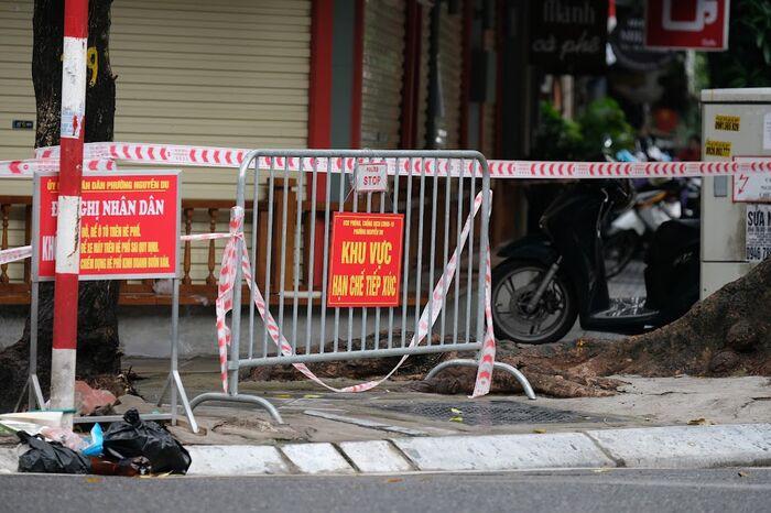 Hà Nội: Phong toả một đoạn phố Trần Nhân Tông sau khi phát hiện ca F0 mới Ảnh 7