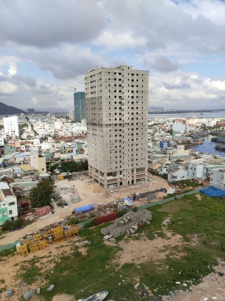 Bình Định: Đôn đốc dự án nhà ở xã hội chậm tiến độ - Ảnh 1