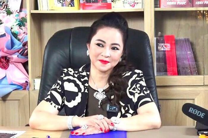 Công an TP.HCM điều tra đơn tố cáo ca sĩ Đàm Vĩnh Hưng 'có dấu hiệu chiếm  dụng tiền từ thiện trái phép'