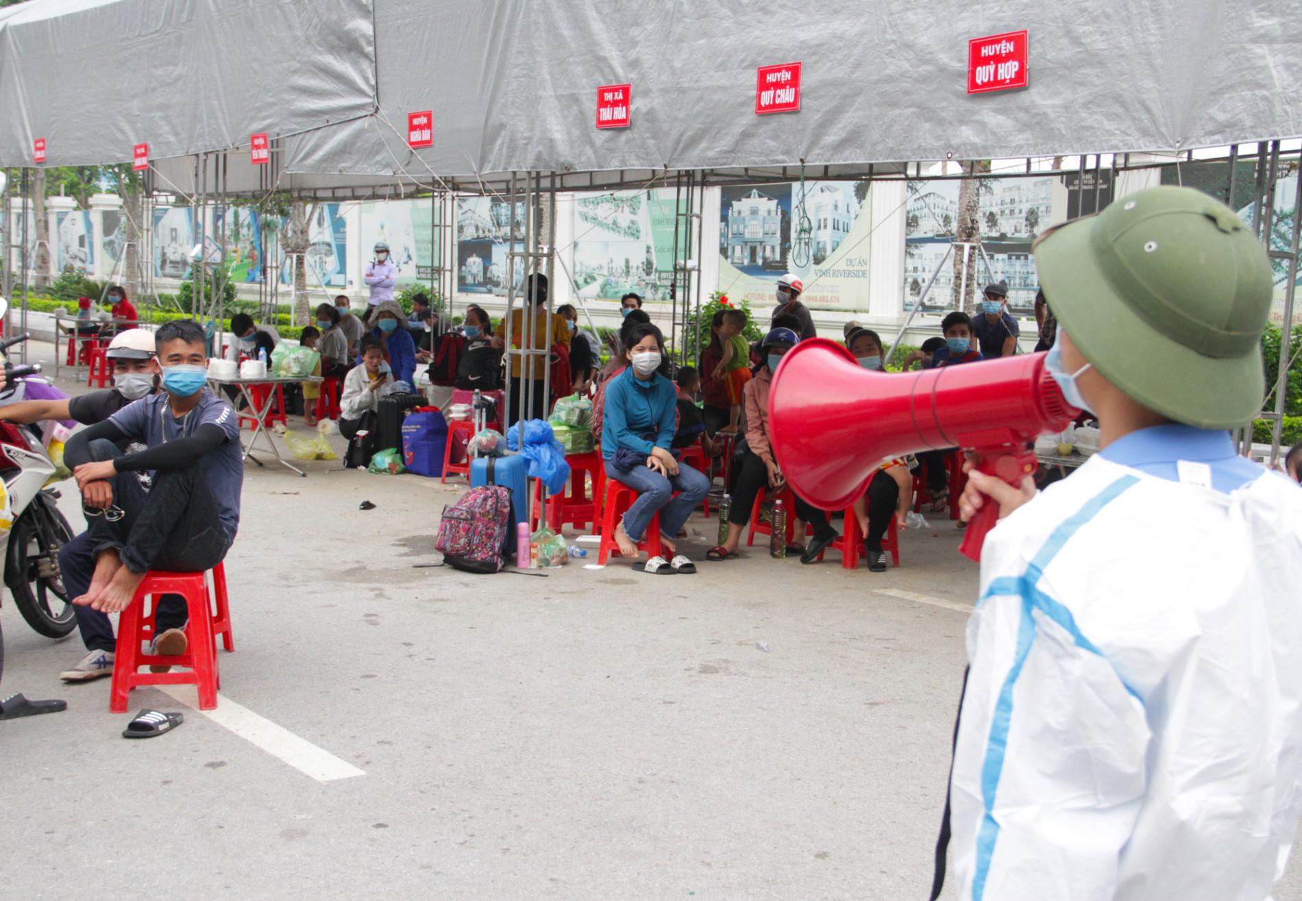 Kiểm tra phản ánh người dân đi xe khách từ miền Nam về Nghệ An bị chém giá 2,5 triệu đồng - Ảnh 1.