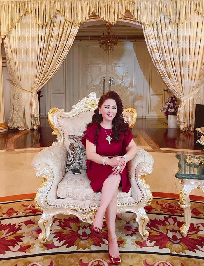 Thêm một cặp đôi showbiz bị CEO Đại Nam 'réo tên', khui lại chuyện gây quỹ từ thiện miền Trung Ảnh 1