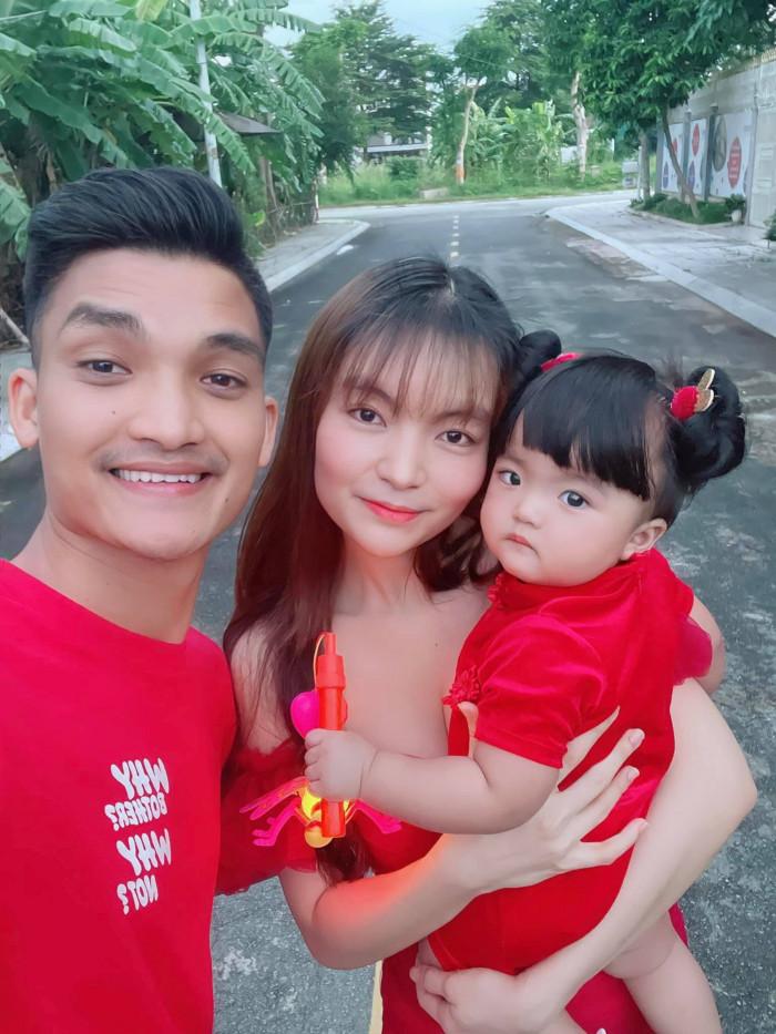 Bà xã Mạc Văn Khoa đăng đàn 'cầu cứu' vì bị 'hăm dọa đòi nợ', ảnh hưởng đến con nhỏ Ảnh 2