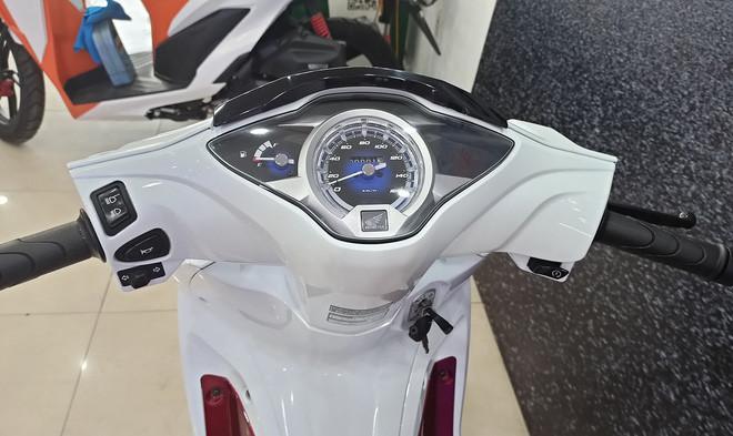 Xe máy Thái Lan tiết kiệm xăng 1,4L/100km, cốp rộng 17 lít, về Việt Nam giá bao nhiêu? - Doanh nghiệp và Tiếp thị