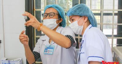 Thừa Thiên Huế bắt đầu tiêm chủng vaccine phòng Covid-19
