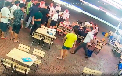 Clip: CSGT nổ súng khống chế nhóm thanh niên hỗn chiến ở Sài Gòn