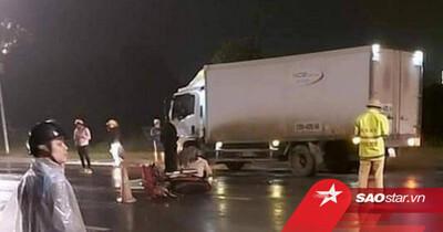 Nam thanh niên tử vong tại chỗ sau khi tông vào xe tải dừng đỗ ven đường