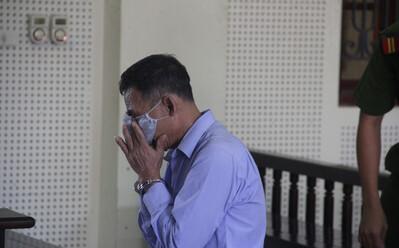 'Tham' 500 nghìn đồng, cụ ông khóc nức nở khi nhận lại 15 năm tù