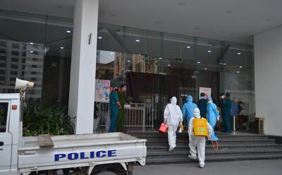 Xác định 150 F1 của cặp vợ chồng Giám đốc mắc Covid-19 ở Thanh Xuân, 2 F1 của người chồng dương tính