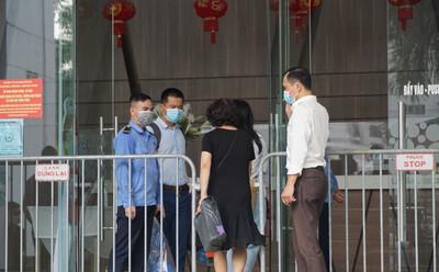 Hà Nội: Xác định 8 F1, tạm đóng cửa nhà hàng Thế giới Hải sản do vợ chồng Giám đốc Hacinco từng đến