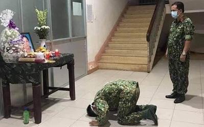 Mẹ mất đột ngột, chiến sĩ nén đau thương ở lại khu cách ly để tiếp tục thực hiện nhiệm vụ
