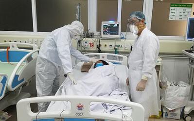 Sáng 17/5: 16 bệnh nhân Covid-19 nguy kịch, 1 bác sĩ trẻ phải thở oxy