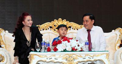 Được trao khối tài sản khổng lồ gồm Đại Nam, con trai út bà Phương Hằng là tỷ phú trẻ nhất Việt Nam?