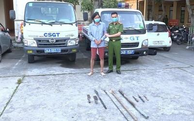 Bắt giam kẻ tấn công nhiều người dân, dùng đinh ba đâm Phó trưởng công an huyện